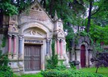 Scholfield Mausoleum - Lakeview Cemetery - (© Morguefile; Licensed to About, Inc.)