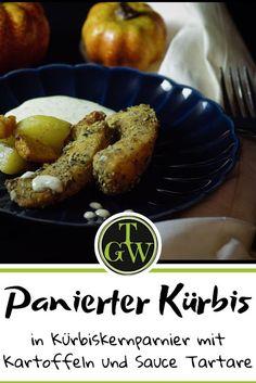 #Rezept für #panierten #Kürbis in #Kürbiskernpanier mit #Kartoffeln und #Sauce #Tartare Sauce Tartare, Sausage, French Toast, Meat, Breakfast, Winter, Food, Baked Pumpkin, Potato Fry