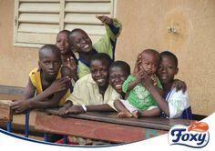 Nuestros niños en Malí también han terminado el curso. Uno de cada tres jóvenes es obligado a realizar un trabajo en el país, por lo que tenerles un curso más en las escuelas con la ayuda de Foxy y UNICEF es todo un logro no sólo para su futuro, sino para su presente. ¡Feliz verano chicos!