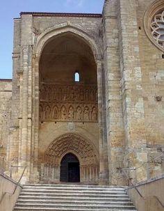 Santa María la Blanca. Villalcazar de Sirga. Gothic Architecture, Classical Architecture, Arch Gate, Carolingian, Romanesque, Romans, Barcelona Cathedral, Beautiful Homes, Taj Mahal