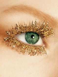 Gold glitter eyelashes x