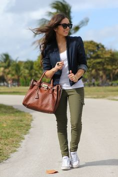 Adore skinny green cargos with white sneaks! & big brown leather bag :D
