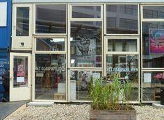 A glass pavilion at the Dutch Design Week