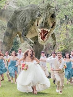 the most hilarious wedding photos to have in your wedding day wedding pictures To Make Your Wedding Unforgettable: 30 Super Fun Wedding Photo Ideas Dinosaur Wedding Photos, Funny Wedding Photos, Funny Photos, Wedding Pictures, Silly Pics, Funny Weddings, Dinosaur Pictures, Vintage Weddings, Lace Weddings