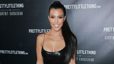 Kourtney Kardashian Chops Off Her Long Locks For A Fresh New Hairstyle - Check It Out! #KourtneyKardashian, #Kuwk, #TheKardashians celebrityinsider.org #Entertainment #celebrityinsider #celebrities #celebrity #celebritynews