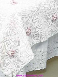 Aloha Rose Bedspread - Crochet Bedspread Pattern / comes in twin or full size / intermediate / roses crocheted with variegated thread / CROCHET pattern Crochet Home, Love Crochet, Beautiful Crochet, Crochet Crafts, Crochet Projects, Crochet Flower, Crochet Bedspread Pattern, Crochet Motif, Crochet Doilies