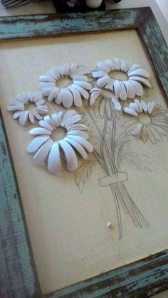 DIY- Mosaico picassiette – o mosaico sustentável Clay Wall Art, Mosaic Wall Art, Mosaic Diy, Mosaic Crafts, Mosaic Glass, Glass Art, Mosaic Flowers, Ceramic Flowers, Clay Flowers