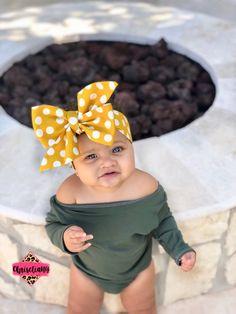 52 Ideas For Baby Cute Clothes Head Wraps Baby Bows, Baby Headbands, Cute Baby Girl, Cute Babies, Baby Girl Fashion, Kids Fashion, Newborn Fashion, Trendy Baby, Stylish Baby