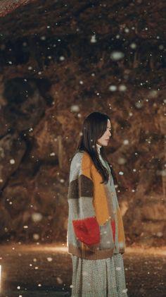 Crash Landing On You-Son Ye Jin-KDrama_id-Subtitle Indonesia Korean Drama Quotes, Korean Drama Movies, Korean Dramas, Korean Movie Scene, Korean Actresses, Korean Actors, Robot, Park Bo Young, Weightlifting Fairy Kim Bok Joo