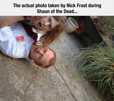 Is This Resurrected 'Shaun Of The Dead' The Best Behind The Scenes Photo Ever? For anyone who ever wondered if Nick Frost really took a picture of Simon Pegg mid-zombie attack. Simon Pegg, Zombie Movies, Horror Movies, Lights Camera Action, Photo A Day, Film Serie, Scene Photo, Great Movies, Artists