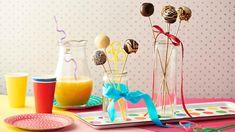 Urobte vašim deťom k ich sviatku radosť chutnými pop cakes! Recept Adriany Polákovej na tento sladký dezert nájdete v Lidl Cukrárni na stránke kuchynalidla.sk.