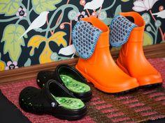 Kotiliesi 2/13. Bead knitting. Beaded, felted  insoles by Pia Heilä for Lankava Oy. http://www.lankava.fi/WebRoot/esito/Shops/esito/MediaGallery/OHJEET/Akupohjalliset.pdf