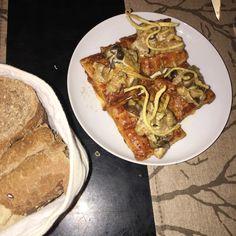 Ojaldre con gambon, setas y curry. Restaurante Eccola. Madrid.
