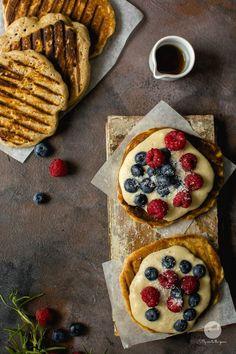 Gofry z patelni z musem jaglanym i owocami Breakfast Recipes, Snack Recipes, Snacks, E Piano, Healthy Recepies, Magic Recipe, Happy Foods, Toddler Meals, I Foods