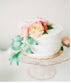 We love wedding cakes! We have everything from the latest trends (bye naked cakes!), to the flavors everyone is loving, expert tips and thousands of beautiful wedding cakes to inspire you. Summer Wedding Cakes, White Wedding Cakes, Elegant Wedding Cakes, Beautiful Wedding Cakes, Wedding Desserts, Beautiful Cakes, Amazing Cakes, Rustic Wedding, Lodge Wedding