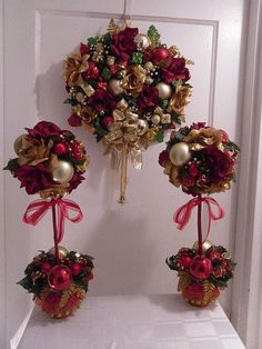 christmas Topiary Centerpieces | Christmas Wreath Holiday Topiary Centerpiece | Holiday Ideas!
