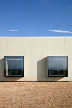 Hotel Aire de Bardenas. Tudela. Navarra. © Inaki Caperochipi Photography Portugal, Garage Doors, Golf, Kitchen Appliances, Windows, Live, Outdoor Decor, Home Decor, Houses
