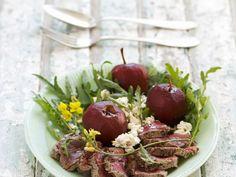Rinderfilet mit Rotwein-Äpfeln ist ein Rezept mit frischen Zutaten aus der Kategorie Rind. Probieren Sie dieses und weitere Rezepte von EAT SMARTER!