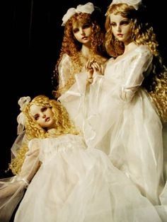 Image discovered by doll eyes ❀. Find images and videos about dolls, bjd and koitsukihime on We Heart It - the app to get lost in what you love. Ooak Dolls, Barbie Dolls, Enchanted Doll, Most Famous Artists, Creepy Dolls, Japanese Artists, Illustrations, Ball Jointed Dolls, Mannequins