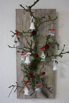 atmospheric still life - Weihnachten - Wall Christmas Tree, Outside Christmas Decorations, Handmade Christmas Decorations, Christmas Centerpieces, Christmas Diy, Christmas Wreaths, Pinterest Christmas Crafts, Diy Décoration, Winter Diy