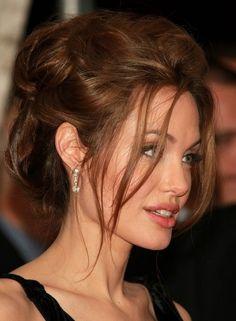 En güzel dağınık topuz modelleri 2017 - Angelina Jolie