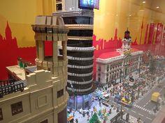 En la tienda Lego de La Vaguada nos encontramos con Madrid en miniatura