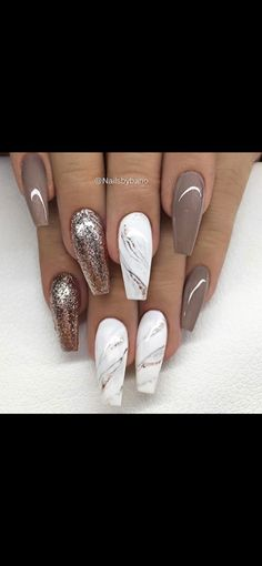 Marmor und neutral - Nails - - The most beautiful nail designs Neutral Nail Designs, Marble Nail Designs, Neutral Nails, Nail Art Designs, Nails Design, Fancy Nails, Trendy Nails, Hair And Nails, My Nails