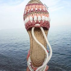 Crochet Shoes Pattern, Shoe Pattern, Make Your Own Shoes, Crochet Flip Flops, Espadrilles, Crochet Sandals, Knit Shoes, Sewing Clothes, Tabata