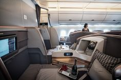The business class cabin of Singapore Airlines' Airbus Photo: Bloomberg Airline Travel, Air Travel, Ways To Travel, Travel Hacks, Travel Tips, Private Jet Interior, Luxury Jets, Aircraft Interiors, First Class