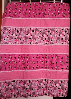 Minnie Mouse Rag Quilt by liz2747 on Etsy https://www.etsy.com/listing/239086837/minnie-mouse-rag-quilt