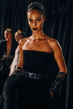 September 11, 2015 Tags Models, Headbands, Gowns, Belted, Givenchy, Bracelets, SS16 Women's, Joan Smalls, Women, Black