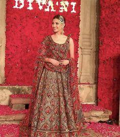 Divani Pakistan outfit