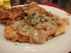 Schnitzel with Mushroom Sauce German food at its best! Chicken Schnitzel with Mushroom Sauce «German food at its best! Chicken Schnitzel with Mushroom Sauce « Turkey Recipes, Chicken Recipes, Dinner Recipes, Recipe Chicken, Sauce Recipes, Chicken Schnitzel, Chicken Piccata, Good Food, Germany