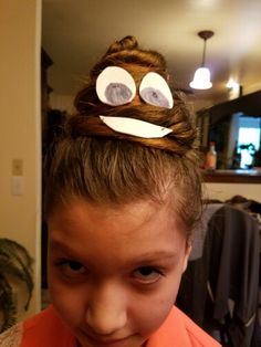 poop emoji for Breya lol Crazy Hair Day At School, Crazy Hair Days, Crazy Hair Day Girls, Tolu, Wacky Hair Days, Red Ribbon Week, Crazy Hats, Crazy Socks, Dress Up Day