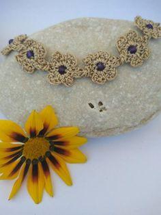 Handmade Items, Handmade Jewelry, Flower Bracelet, Plastic Beads, Beige Color, Crochet Flowers, Hand Crochet, Floral Design, Crochet Earrings