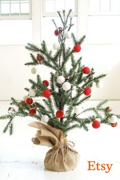 Do they love to trim the tree? Shop our Holiday Gift Guide to find just their thing. Happy holidays from Etsy!