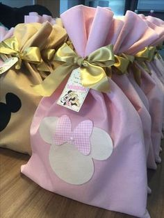 first birthday theme Minie Mouse Party, Minnie Mouse Theme Party, Minnie Mouse First Birthday, Minnie Mouse Baby Shower, Minnie Mouse Pink, Baby Mickey, Mickey Party, Baby Birthday, Minnie Mouse Favors