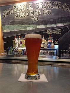 The Best Airport Bars in America, so You Can Survive Your Layover