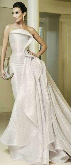 ru_glamour: Haute Couture by Armani Prive Elegant Dresses, Pretty Dresses, Formal Dresses, Wedding Dresses, Dresses 2013, Armani Prive, Beautiful Gowns, Beautiful Outfits, Traje Black Tie