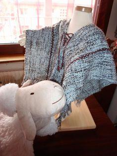 Poncho enfant 2-3 ans tissé à la main, laine douce française