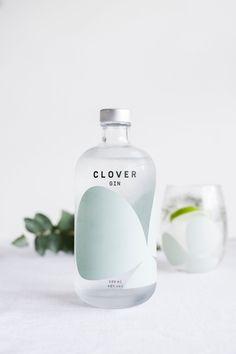 35 Gorgeous Gin Packaging Designs is part of Drinks packaging design - Packaging design inspiratio - Food: Veggie tables Skincare Packaging, Beverage Packaging, Bottle Packaging, Cosmetic Packaging, Beauty Packaging, Print Packaging, Design Packaging, Water Packaging, Juice Packaging