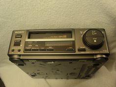 Sony Video Hi8 EV-C100 NTSC Video Cassette Recorder Magnetoscope