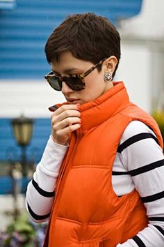 Super short pixie hairstyles women.   SO CUTE! So why cant my hair actually look like this?! Ha!