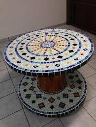 Resultado de imagem para mesa mosaico floral