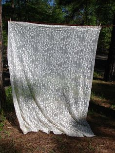 Vintage Ecru Lace Old Fashion Vine Curtain by NopalitoVintageMore, $8.00