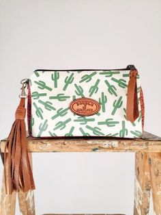therollinj.com Double J Saddlery Cactus Wristlet
