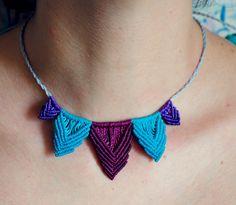 Collar multicolor macrame
