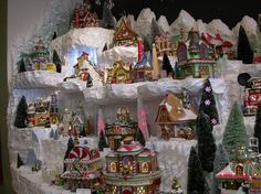 Christmas Village Display Tips | ... amazing custom Dept 56 village displays - Department 56 display ideas