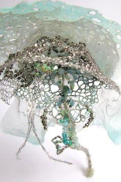 Emmanuelle Dupont - Chimères Plus Textile Texture, Textile Fiber Art, Textile Artists, Art Fibres Textiles, Avantgarde, Geometric Fashion, Organic Art, Weaving Art, Fabric Manipulation