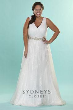 Plus Size Bridal Gown Dazzles